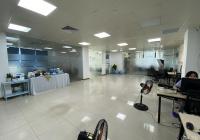 Cho thuê văn phòng 180m2 tại Duy Tân, Cầu Giấy, có đầy đủ đồ cơ bản, miễn phí setup, LH 0972661223