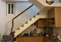 Chính chủ cho thuê nhà riêng 4 tầng phố Vọng Hà Nội nội thất tủ bếp, ĐH, giá 8tr/th, LH: 0918264386