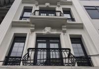 Chính chủ cho thuê nhà mặt phố Phan Đình Phùng, Ba Đình 200m2 * 6 tầng, MT 6m, ĐH thang máy, 150 tr