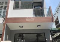 Nhà 3 tầng đẹp kiệt ô tô Lý Tự Trọng, Q. Hải Châu, Đà Nẵng. Đứng trước nhà thấy đường chính