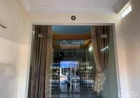 Chủ gửi bán căn nhà mặt đường 5 cũ, kinh doanh buôn bán, liên hệ em 0981 265 268 để xem nhà