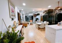 Gia đình mình cần bán căn hộ 08 tầng trung Rivera Park, 101m2, giá 4.7 tỷ, full nội thất xịn, sổ đỏ