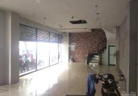 Cho thuê nhà mặt phố Hàng Chuối: Diện tích 68m2 x 4 tầng, mặt tiền 7m, thông sàn, vị trí đẹp