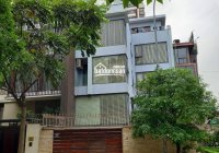 Cho thuê nhà lô góc MP Trần Kim Xuyến - Yên Hòa, DTSD 150m2 * 4,5 tầng + hầm, tiện KD. Giá chỉ 90tr
