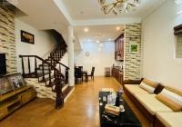 Cho thuê nhà đẹp ở Liễu Giai DT 55m2 x 4T, MT 5m full nội thất sạch sẽ giá 13tr/th LH 0968063506