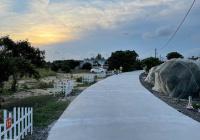 Cần bán gấp lô đất biển, thổ cư, mặt tiền đường chính, sổ hồng sang tên 1 tháng là hoàn tất