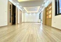 Chính chủ bán nhà riêng, diện tích 52m2 xây hoàn thiện hiện đại, cực đẹp, trung tâm Ngọc Hà, BĐ
