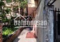 Cho thuê phòng trọ số 81, ngõ 77 Bùi Xương Trạch, quận Thanh Xuân. Phòng rộng 23m2, có gác xép