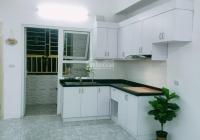 Bán gấp căn hộ 45m2 HH1 Linh Đàm, giá 680tr. LH 0972618084