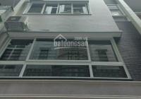 Cho thuê nhà riêng Nguyễn Khánh Toàn, phường Quan Hoa, DT 90m2*6 tầng, thang máy giá 25tr