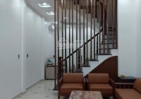 Cần bán gấp nhà phân lô phường Nghĩa Đô, quận Cầu Giấy. Diện tích 30m2, nhà 6 tầng đẹp ở luôn