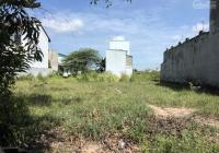 Miếng đất thổ cư 125m2 cách, chợ trường Đại học Quốc Tế Tân Tạo 100m, điện nước đầy đủ, 1 tỷ 588 tr