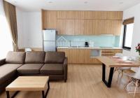 Căn hộ dịch vụ hiện đại mới xây, đủ nội thất, miễn phí dịch vụ. Có bồn tắm, nhà rộng thoáng