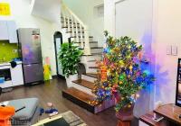 Gia đình cần bán nhà Lạc Long Quân 50 m2, mặt tiền cực rộng, giá 3.9 tỷ
