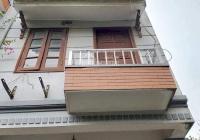 Bán gấp nhà Việt Hưng, 57m2x4T, MT 4.1m, giá 2.58 tỷ. LH: Mr Tùng: 0986985698