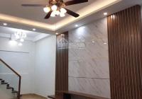 Nhà mới - ô tô đỗ cửa - sổ đỏ hoa hậu - phố Nguyễn Văn Cừ - giá 4.5 tỷ