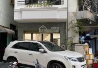 Kẹt tiền Bán nhà 3 lầu DT: 4,3m x 13m, hẻm xe hơi 4m, Đường Phan Đăng Lưu, Quận Phú Nhuận