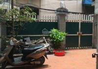 Cho thuê nhà riêng tại ngõ 277 Phố Vũ Tông Phan, 130m2 x 3 tầng, kiểu biệt thự có sân, 15 tr/thang