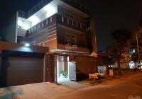 Cần bán gấp nhà phố đẹp KDC Nam Long đường D3, P. Phước Long B, Q9, LH 0933843234
