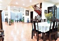 Bán biệt thự 3 tầng x 325m2 full nội thất sang + xịn tại đường Hoa Bằng Lăng, Mê Linh