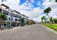 Nhà phố ven sông mang kiến trúc Singapore 6.2 tỷ - 252 m2