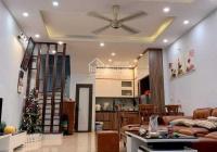 Cần bán nhà phố Lạc Trung, DT 80m2, nhà đẹp, ở sướng. Giá 6.9 tỷ