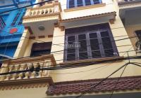 Cần bán nhà 40m2 xây 4 tầng đẹp, ngõ 165 Dương Quảng Hàm, Cầu Giấy