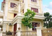 Cho thuê gấp biệt thự Pháp Vân căn góc 300 m2, có đầy đủ nội thất đẹp giá thuê rẻ LH 0965986925