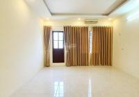 Bán nhà phố Trần Đại Nghĩa, 40m2, đẹp, mặt tiền rộng, kinh doanh tốt, giá hơn 2 tỷ (gấp)