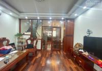 Bán gấp nhà phân lô đường Nguyễn Khánh Toàn, quận Cầu Giấy, diện tích 67m2, nhà 5 tầng, mặt tiền 5m
