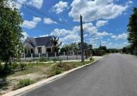 Kẹt tiền quá em cần bán gấp lô đất ngay Becamex Chơn Thành Bình Phước sổ sẵn giá 600tr. Có 100m2 TC