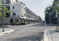 Bán căn liền kề Đông Nam 90m2 giá 3,95 tỷ. LH 0972402092