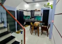 Cần bán nhà 3 tầng có sân cổng ô tô tại Cam Lộ, Hùng Vương - 79m2 - 2,4 tỷ - LH 0977.942.670