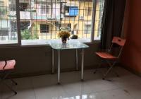 Cho thuê nhà tập thể khu C Nghĩa Tân, Cầu Giấy DT 40m2 giá 4 tr/th. LH 0917872686