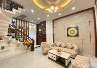 Bán nhà HXH Đường Hoàng Văn Thụ, Phú Nhuận, giá rẻ, 83.7m2, 4 lầu 5PN