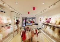 Sang nhượng hợp lý, 1xx cửa hàng mặt tiền 5,5m, dọn vào kinh doanh luôn phố Sơn Tây, Kim Mã, Hà Nội