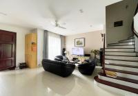 Cho thuê biệt thự 5 phòng ngủ đủ đồ Vinhomes Riverside