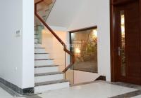 Cho thuê nhà phân lô, Nguyễn Cơ Thạch Mỹ Đình, 105m2 x 5T, mỗi tầng chia 2 rộng, giá covid 28 tr/th