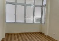 Cần bán nhà Trương Định 25 m2 x 3 tầng, giá Nhỉnh 1,9 tỷ, LH 0946434588