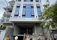 Tôi cần cho thuê gấp tòa nhà văn phòng mặt phố Mạc Thái Tông. Diện tích 110m2 x 7 tầng, MT 6,5m