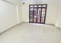 Cho thuê nhà Trung Kính 60m2 * 5T, 5 phòng, nhà mới, ngõ ô tô tránh. Giá 19 tr/th
