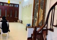 Cho thuê nhà Nguyễn Trãi gần Royal 60m2*4T, ngõ rộng, ô tô chui nhà, nhà đẹp giá 14tr/th