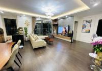 Cần bán gấp căn hộ 82m2 tầng trung, ban công Nam, T8 Timescity, giá tốt: 3,3 tỷ. LH: 0818858587