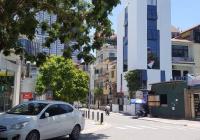 Cho thuê nhà MP KĐT Dịch Vọng, Cầu Giấy DT 55m2, 5 tầng, căn góc thông sàn có thang máy giá 35tr/th
