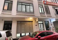 Cho thuê liền kề Vinhomes Gardenia - Hàm Nghi 100m2 5 tầng MT 6m thông sàn, thang máy. Giá 40t/th