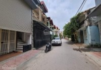 Bán nhà Nguyễn Sơn, Long Biên 110 m2, 3 tầng, mặt tiền 7.5 m, ô tô tránh, ở sướng