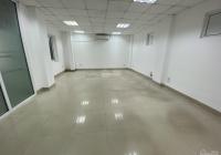 Cho thuê văn phòng 75m2 giá 13 triệu tại Trần Thái Tông - Duy Tân , chia 2 phòng có đủ đồ cơ bản