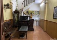 Chính chủ cho thuê căn hộ 3 tầng tại ngõ 305 Vĩnh Hưng, giá 4,5 triệu/tháng. 0838436206