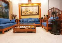 Bán nhà tặng nội thất ở phố Tôn Thất Tùng, Đống Đa, DT 70m2 cực rộng, ở sướng giá 7.8 tỷ 0328238123
