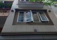Tôi cần bán nhà Phan Kế Bính, DT 39m2, 5 tầng, yên tĩnh, an ninh tốt, vào ở ngay, giá 4.2 tỷ